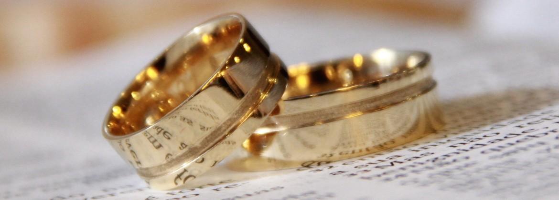 Alianza de boda y anillos de compromiso - Comprar Online